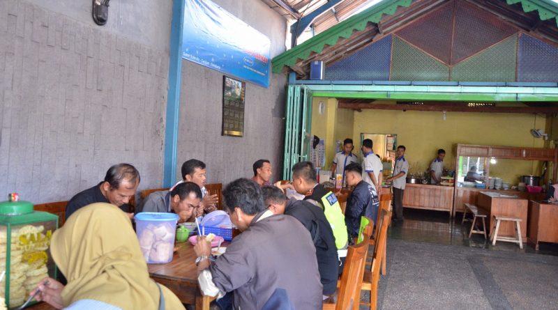 Makan Soto Bersama Polres Sukoharjo dengan Rekan Wartawan