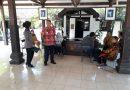 Kanit Binmas Polsek Kartasura Pantau Seleksi Wawancara Calon Perangkat Desa